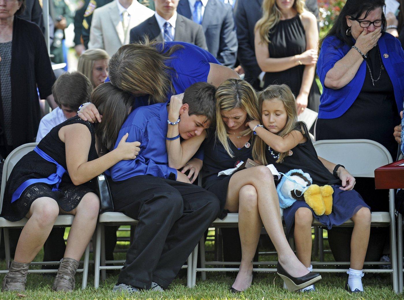police-funerals.jpg