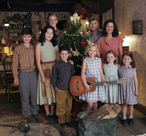 Actress Jennifer Nettles Says Dolly Parton's Faith Informs Her Life and Her Belief In Miracles ...